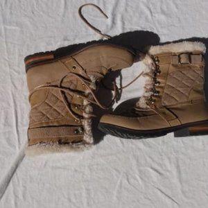 Z London Cream Snow Boots (Size 8)